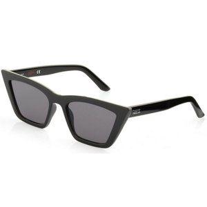 GUESS GU-8218-5501A-55  Sunglasses